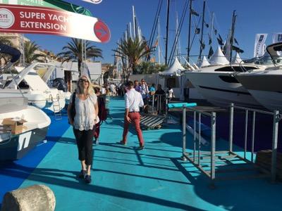 Auf der boat show in Cannes